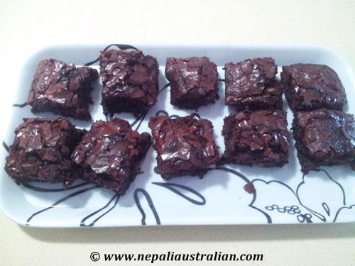 Chocolate fudge brownie with walnut (6)