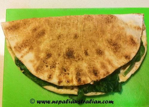 Chicken, cheese and spinach melt (4)